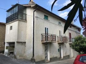 Lanciano, Village House