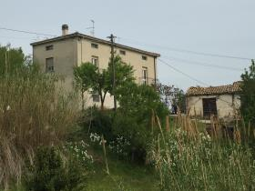 San Vito Chietino, House
