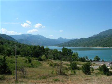 lake-Bomba