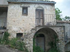 Archi, House