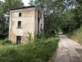 Image No.3-1 Bed Farmhouse for sale