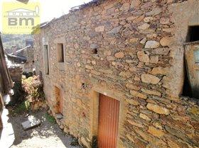 Almaceda, House