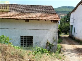 Image No.18-10 Bed Farmhouse for sale