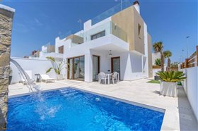 Image No.0-Villa de 3 chambres à vendre à Torre de la Horadada