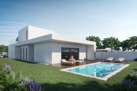 Nadadouro, Villa