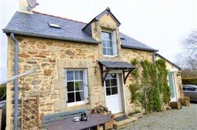 Pleugriffet, Cottage