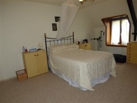 Image No.11-3 Bed House for sale