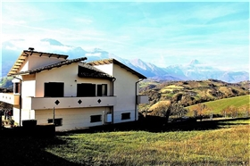 Arsita, Country House