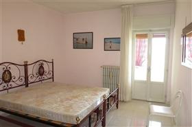Image No.3-Appartement de 2 chambres à vendre à Castiglione Messer Raimondo