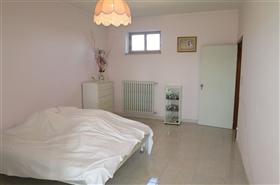 Image No.4-Appartement de 2 chambres à vendre à Castiglione Messer Raimondo