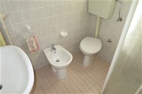 Image No.6-Appartement de 2 chambres à vendre à Castiglione Messer Raimondo