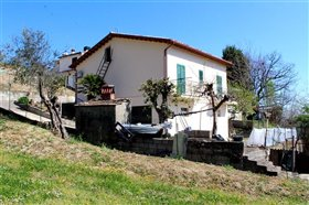 Bisenti, Country House