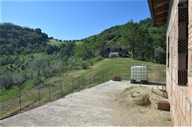 Image No.1-3 Bed Country House for sale