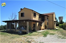 Image No.20-3 Bed Country House for sale