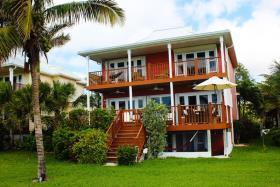 Image No.2-Maison / Villa de 4 chambres à vendre à Grand Bahama
