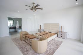 Image No.9-3 Bed Condo for sale