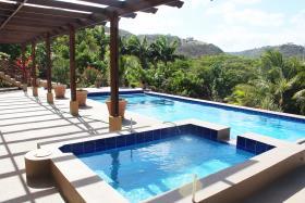 Image No.0-Maison / Villa de 5 chambres à vendre à Grenada