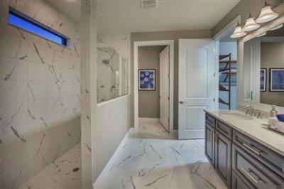 Pinnacle-Walk-in-Shower