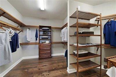Pinnacle-Walk-in-Wardrobe