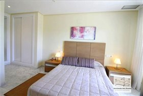 Image No.24-2 Bed Flat for sale