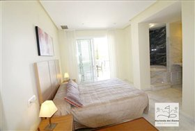 Image No.27-2 Bed Flat for sale