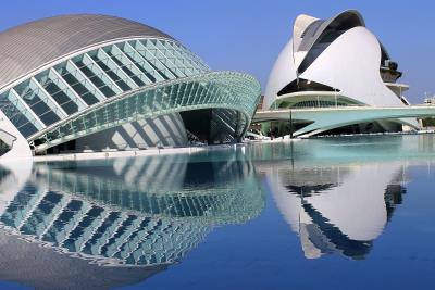 Reflejos_en_la_ciudad_de_las_artes_y_ciencias-_Valencia-