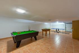 Image No.21-5 Bed House for sale