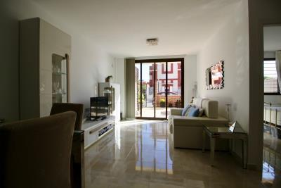 2-bed-2-bath-apartment-for-sale-in-Lomas-de-cabo-roig-by-Pinarproperties-0003