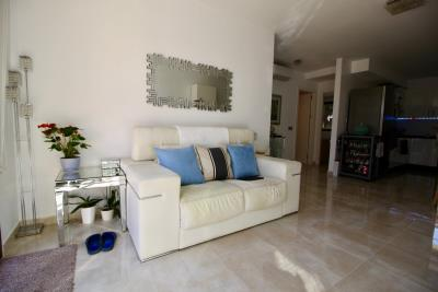 2-bed-2-bath-apartment-for-sale-in-Lomas-de-cabo-roig-by-Pinarproperties-0018
