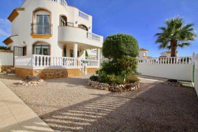 3bed-2bath-villa-for-sale-in-Pinar-de-Campoverde-by-Pinar-properties-0014