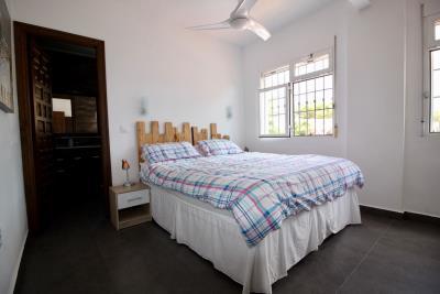 8-bed-5-bath-villa-for-sale-in-Pinar-de-Campoverde-by-Pinarproperties-0030