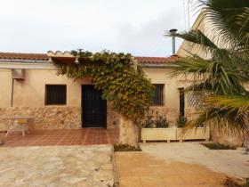 Pinoso, Country House