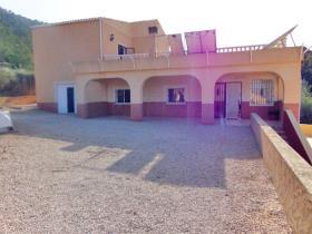 Hondón de las Nieves, Villa / Detached