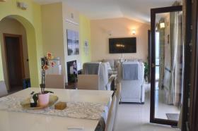 Image No.4-14 Bed Condo for sale