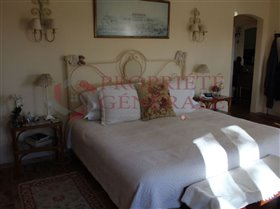 Image No.28-7 Bed House for sale