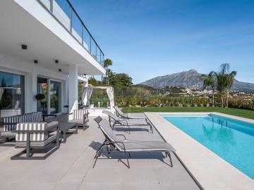 Pool-View-4