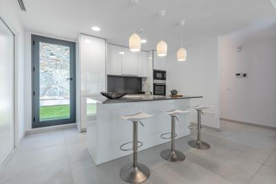 02---Kitchen---Alborada-Homes---Full-Res