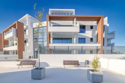 12-Alborada-Homes--Vista-Frontal-Zonas-comunes