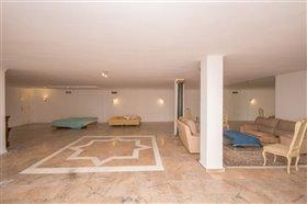Image No.26-11 Bed Villa / Detached for sale