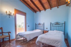 Image No.12-5 Bed Finca for sale