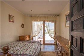 Image No.17-8 Bed Villa / Detached for sale