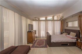 Image No.7-8 Bed Villa / Detached for sale
