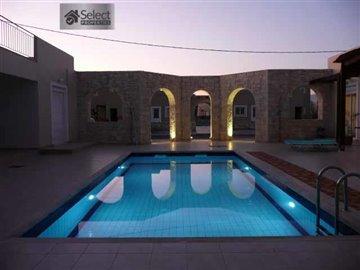 2-swimmingpool