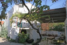 Tsivaras, Country House