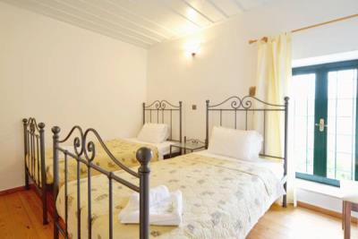 12-Mezzanine-Twin-Bedroom