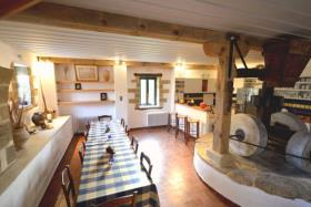 Image No.7-4 Bed Country Property for sale