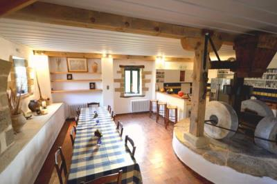 07-Dining-Area-with-Mill-stones-1
