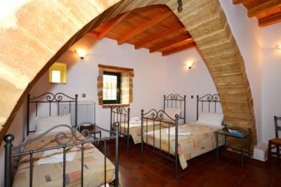 10-Ground-Floor-Triple-Bedroom-1-1