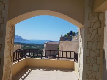 villa-veranda-view-photo