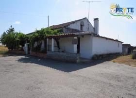 Image No.0-Maison de campagne de 3 chambres à vendre à Mação